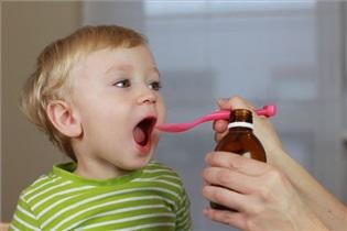 داروی اشتباه به کودکتان دادهاید؟/ با پزشک او تماس بگیرید!